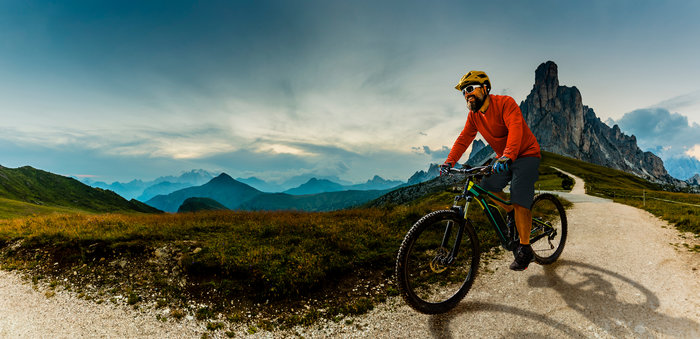 Bike LVR - man riding a mountain bike outdoors