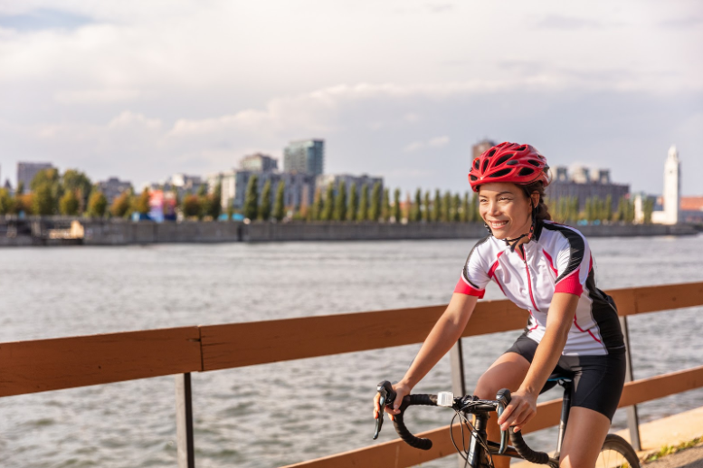 How to style your bike shorts - woman cycling on tour.